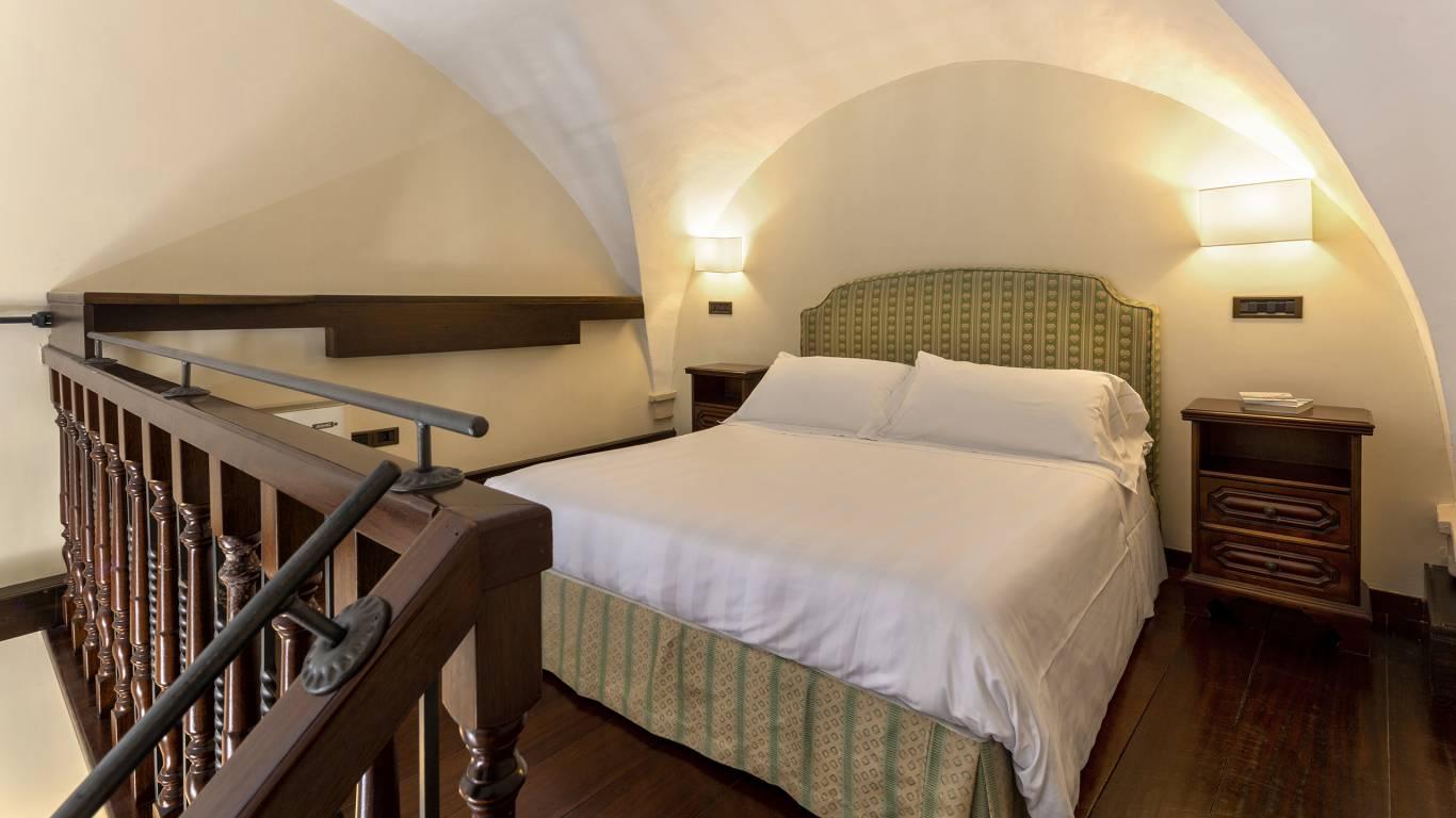Fontebella-Palace-Hotel-Assisi-family-room-106familyDONI2853