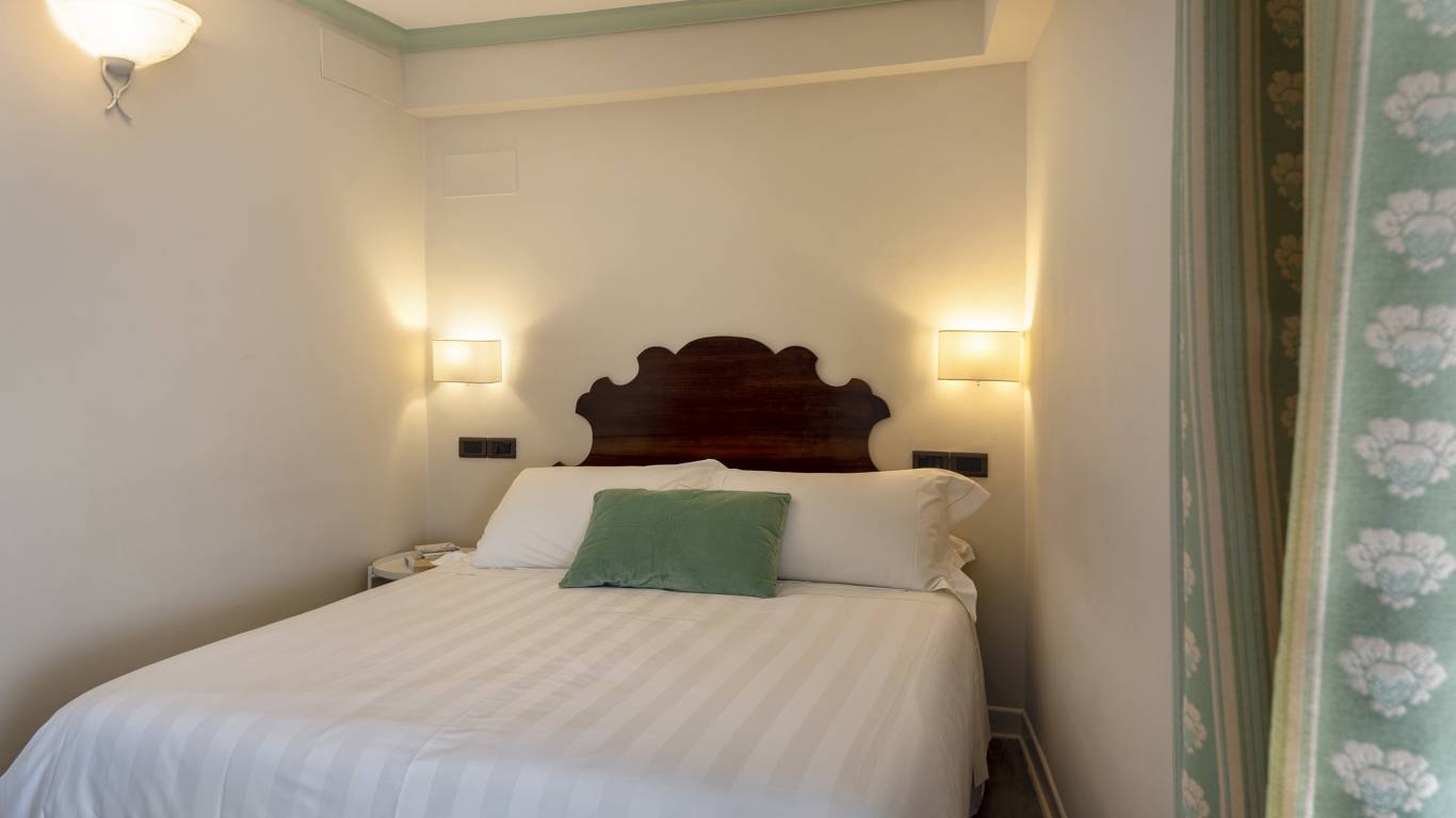Fontebella-Palace-Hotel-Assisi-single-room-400-singolaDONI2782