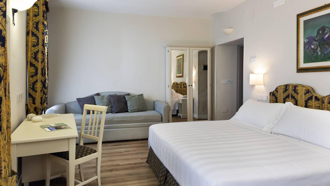 Fontebella-Palace-Hotel-Assisi-suite-501tplspvvDONI2517-