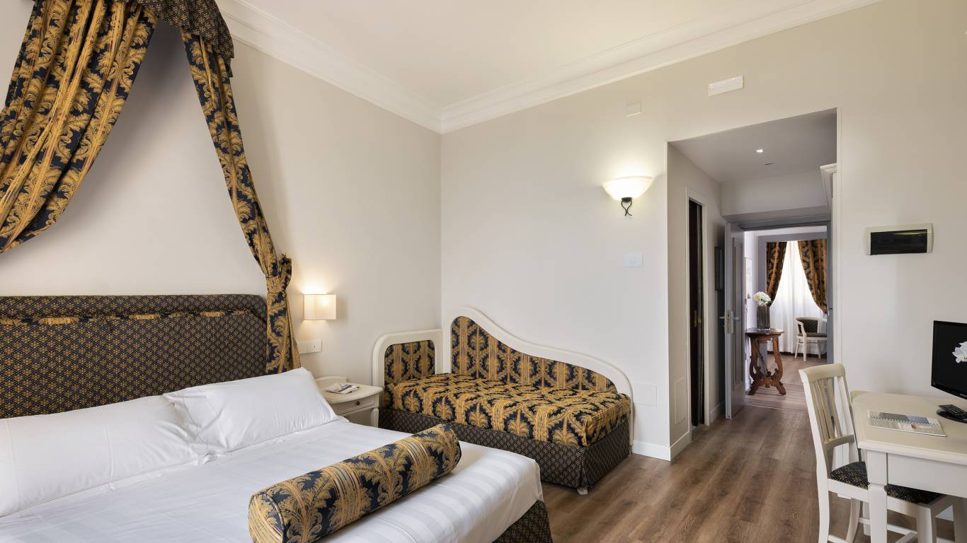 Fontebella-Palace-Hotel-Assisi-suite- 507jsvvPPMF7232