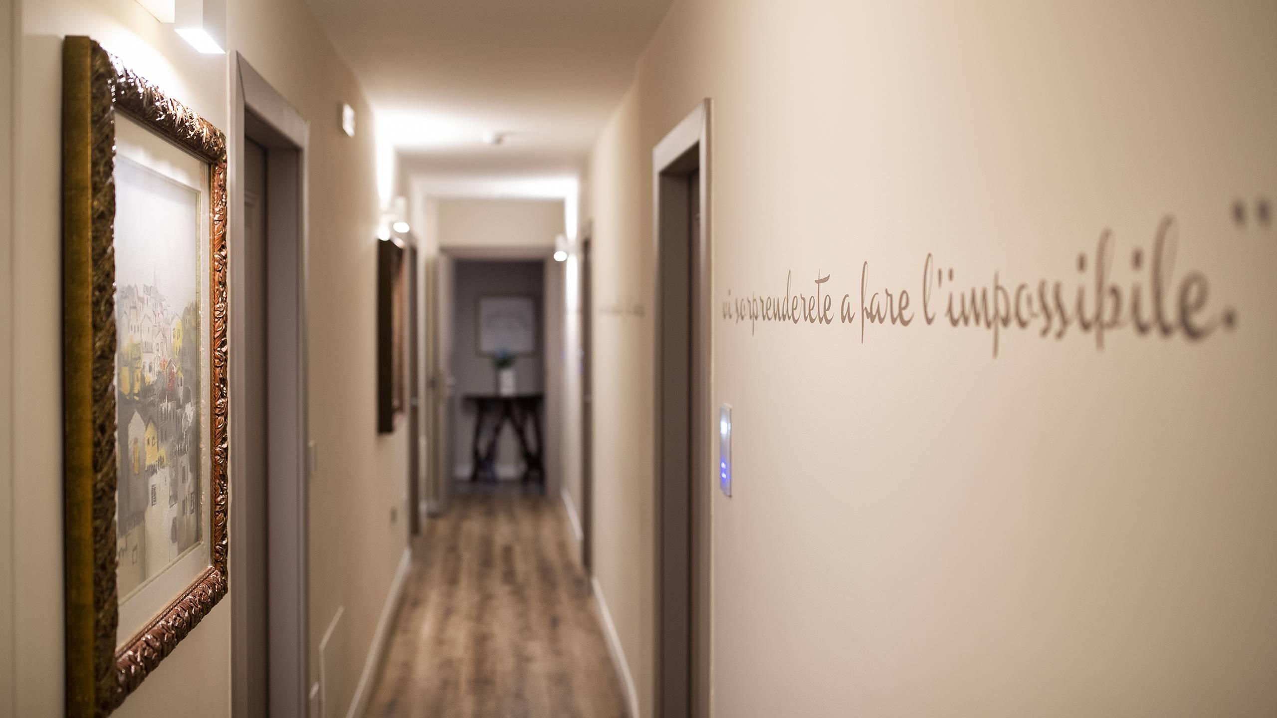 Fontebella-Palace-Hotel-Assisi-interior-corridoioPPME4143
